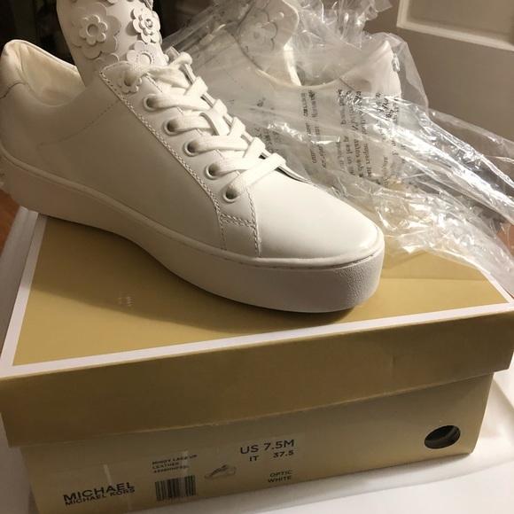 db6d04877bbf Michael Kors Mindy White lace up tennis shoes